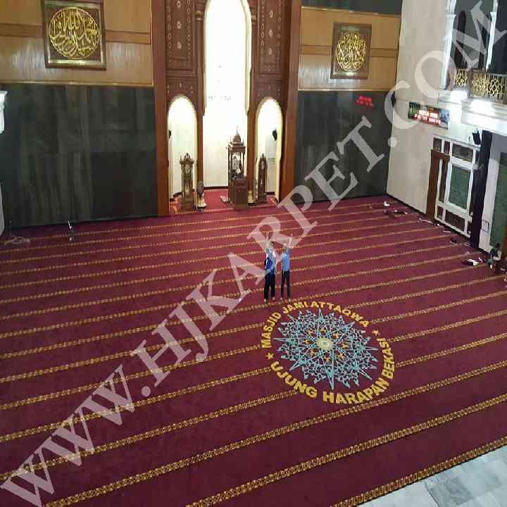 Pemasangan Karpet Masjid At Taqwa Ujung Harapan Bekasi