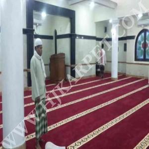 Pemasangan Karpet Masjid Mapolres Jababeka Bekasi
