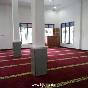 Pemasangan Karpet Masjid Asrama Polres Batang