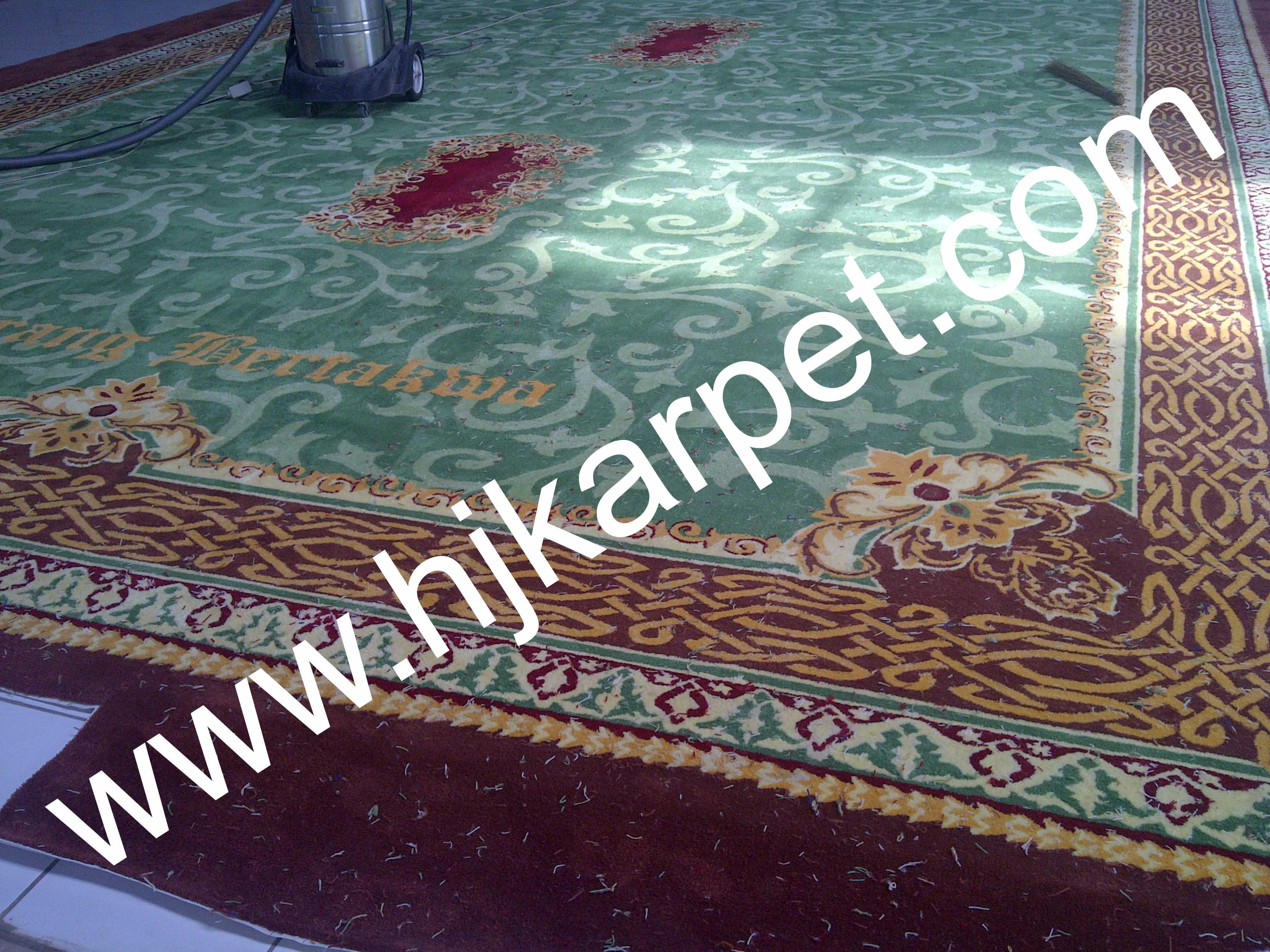 Pemasangan Karpet Kantor Bupati Serang
