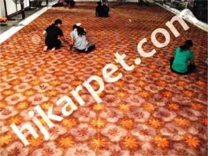 Pemasangan Karpet di Gedung Tempo