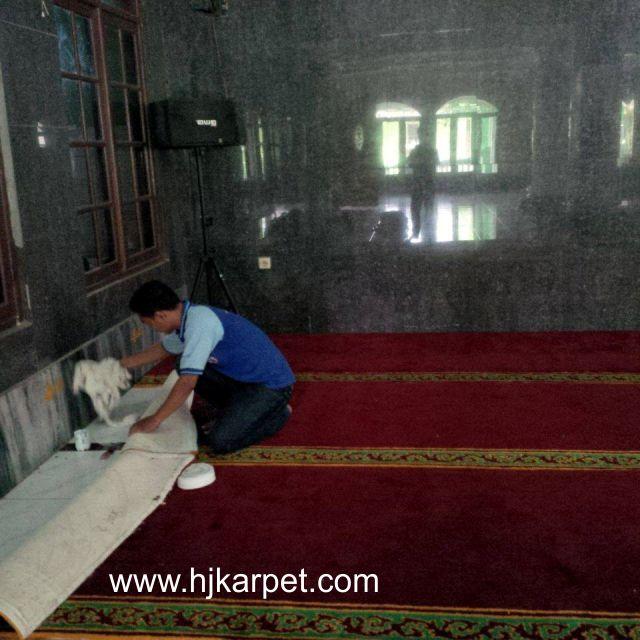 Karpet masjid Baittusalam Jatiasih
