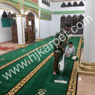 Pemasangan Karpet Masjid At Takwa Cikotok Banten