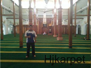 Pemasangan Karpet Masjid Agung Lamongan