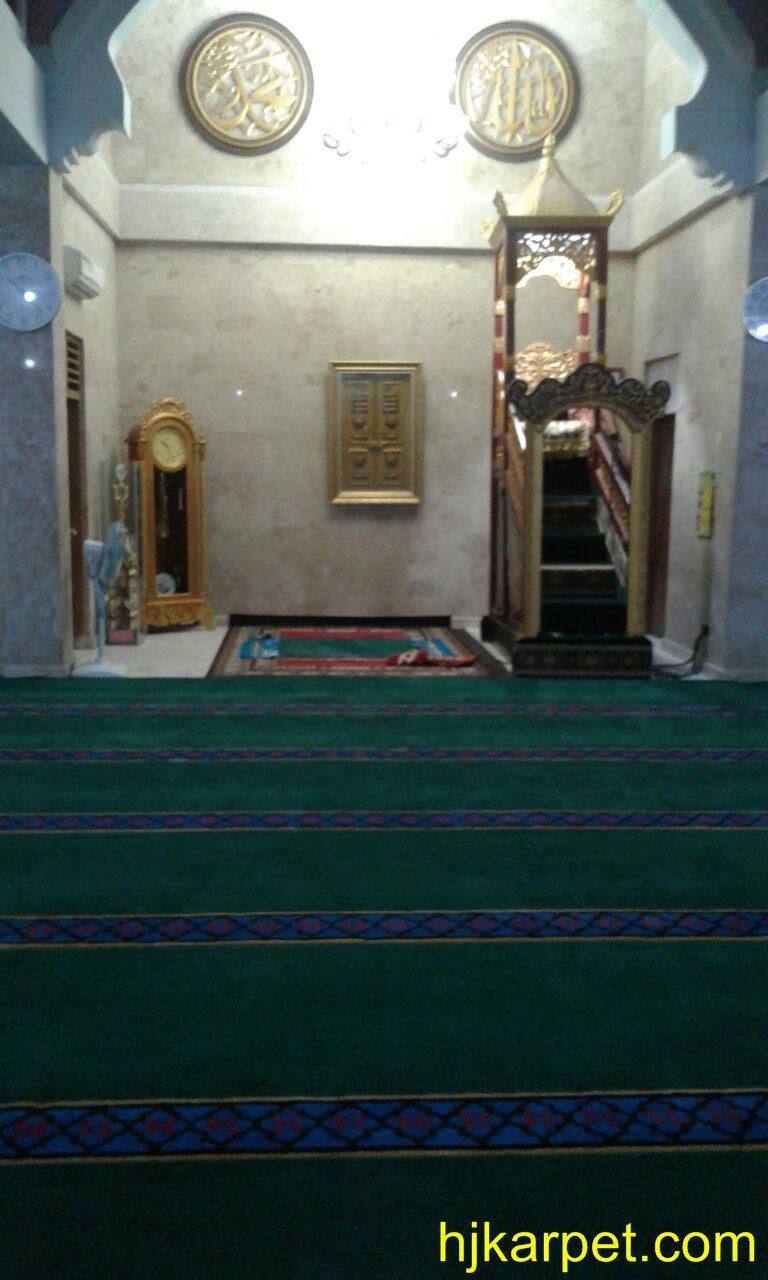 Pemasangan Karpet MAsjid MUhajirin di Bali