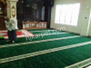 Pemasangan Karpet Masjid al Ikhwan Karang tengah